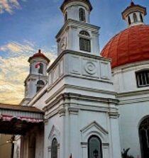 10. Masjid Wisata Religi