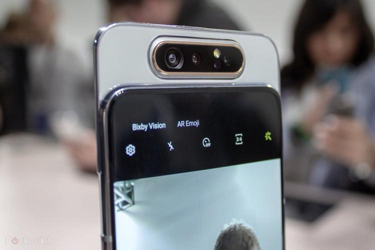 Kameranya Mengusung Rotating Triple Camera Yang Canggih